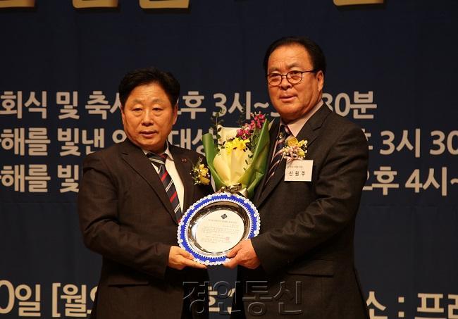 1230 2 2019 올해를 빛낸 인물 대상 (23).JPG