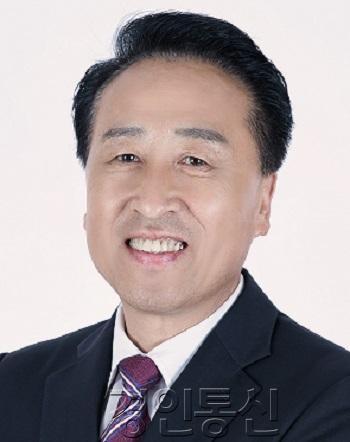 화성시의회 김홍성 의장.jpg