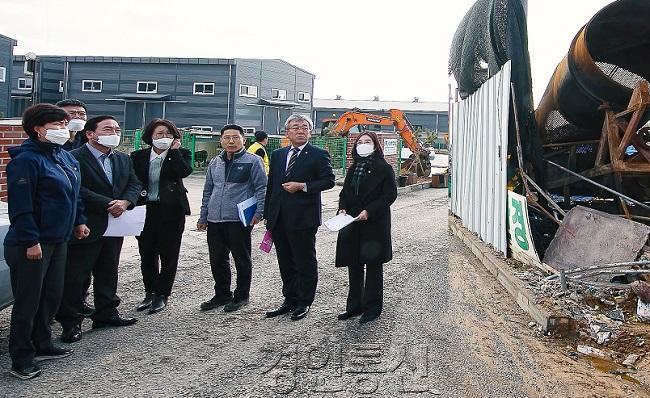 _경제환경위, 향남 폐기물처리업체 화재 현장점검 실시(1).jpg