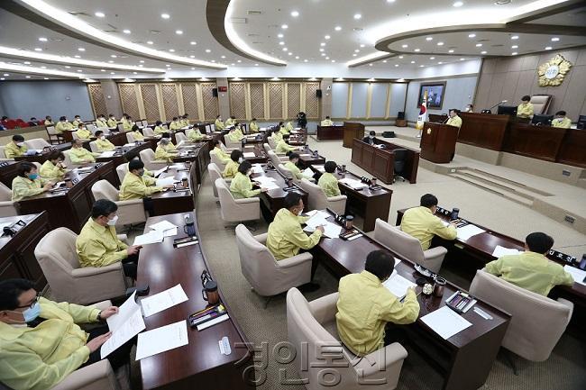 20200406 수원시의회, 긴급 임시회 열어 재난기본소득 지급 관련 조례안 통과.JPG