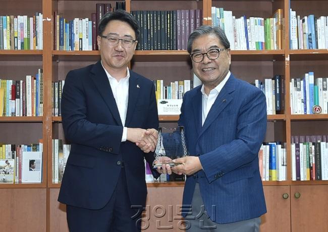 2    도교육청, 학교환경개선 협력사업 우수기관 화성 광주 오산시 선정(사진3-화성).JPG