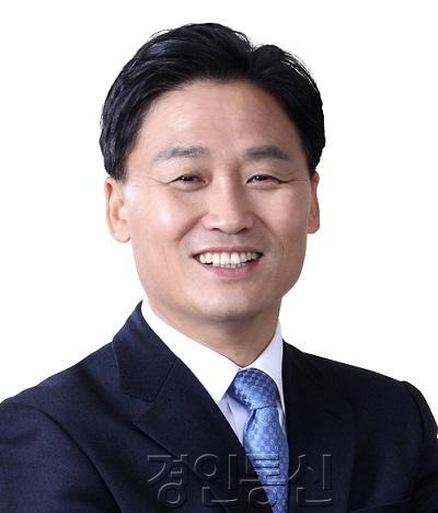 김영진의원_프로필사진2.jpg