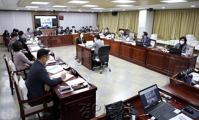 20201119_수원시의회 도시환경위원회, 2020년도 행정사무감사 돌입.jpg