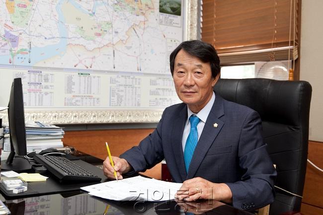 홍선의 의장님 (2).jpg