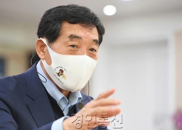 (사진)윤화섭 안산시장 신축년 신년사.jpg